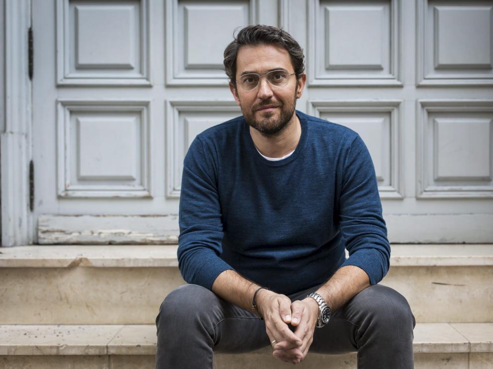 Máximo Huerta publica 'Con el amor bastaba'.
