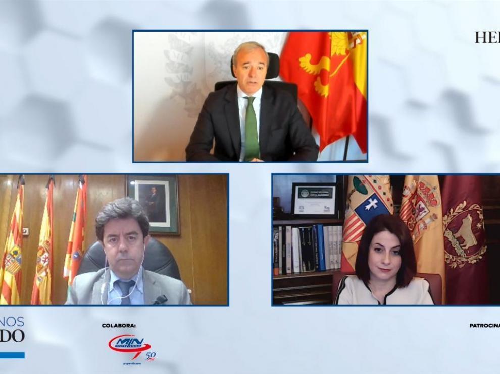 Jorge Azcón, Luis Felipe y Emma Buj, en un momento del coloquio organizado por HERALDO.