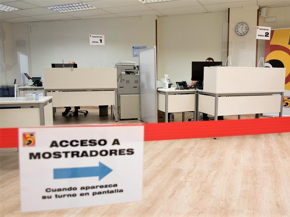 Las oficinas de la DPH en la calle Berenguer de Huesca se han adaptado a la normativa sanitaria