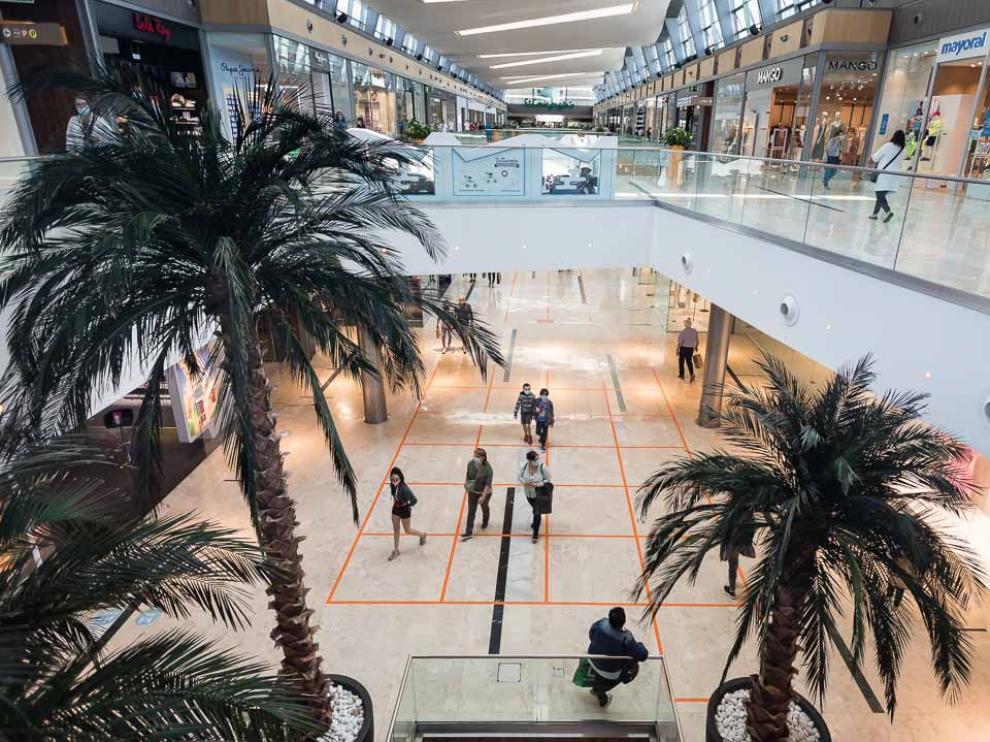 Los centros comerciales como Puerto Venecia en fase 3