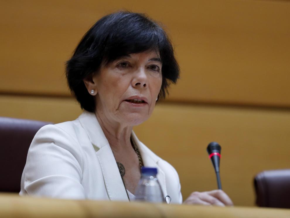 Isabel Celaá, en la Comisión de Educación del Senado.