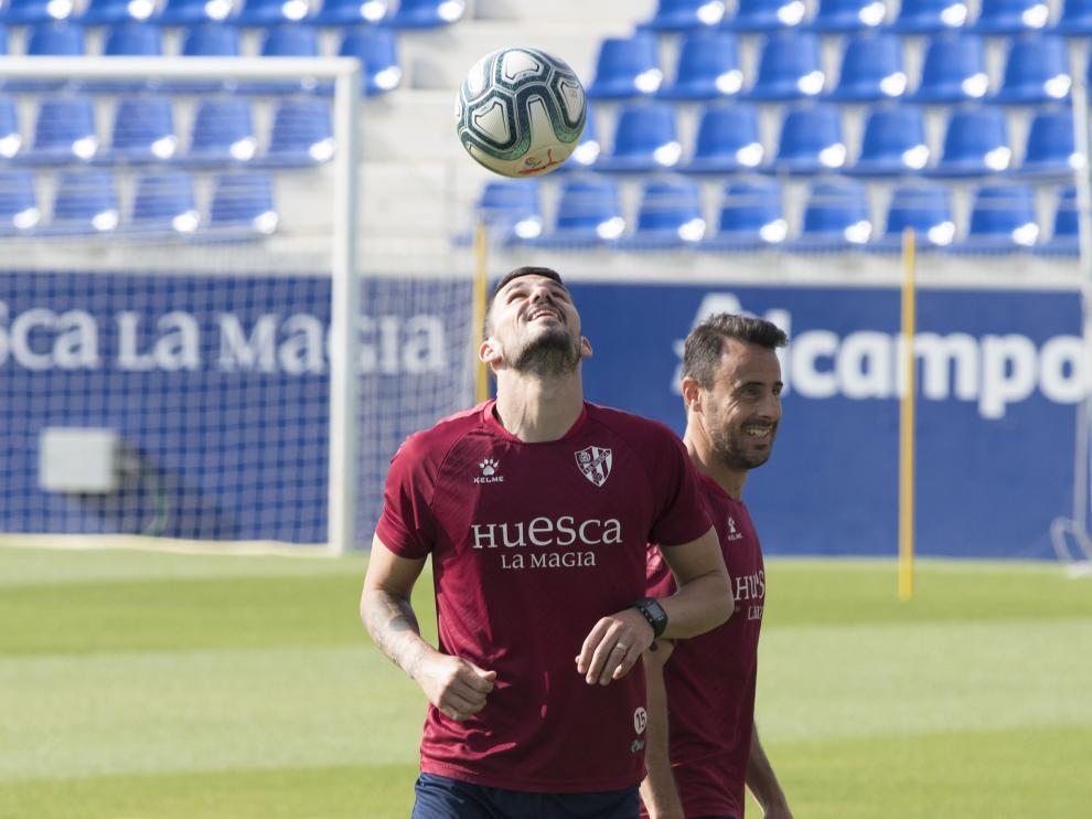 Datkovic y Pedro López, durante el entrenamiento del martes en El Alcoraz.
