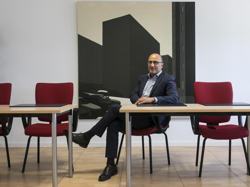 El consejero de Educación, Cultura y Deporte de Aragón, Felipe Faci, en su despacho.