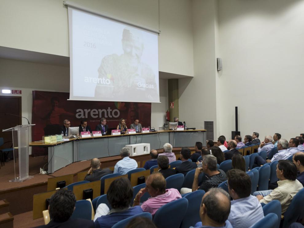 Imagen de archivo de una de las asambleas de Arento Grupo cooperativo agroalimentario aragonés.