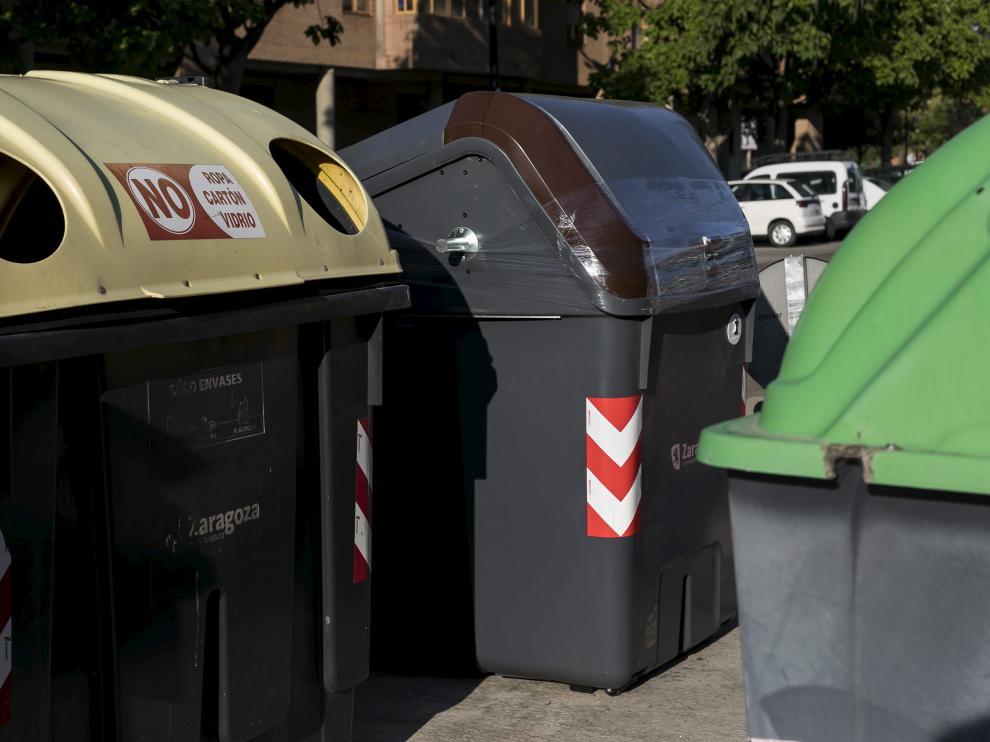 Contenedores de reciclaje en Zaragoza.