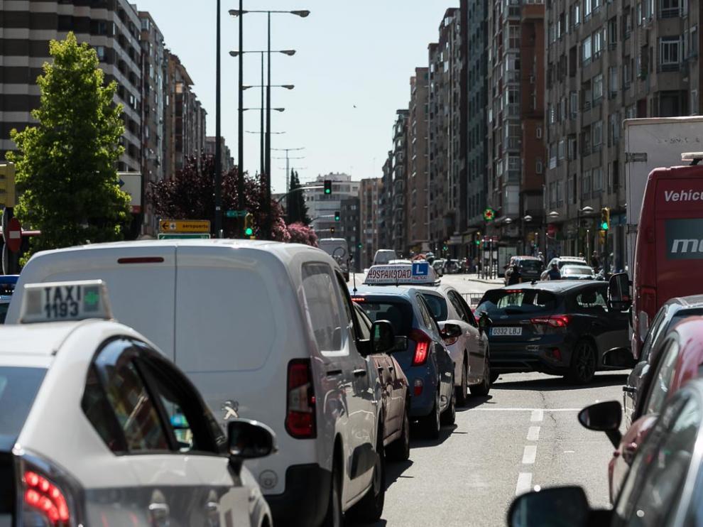 Comienza la renovación de la gran tubería de la avenida de Navarra