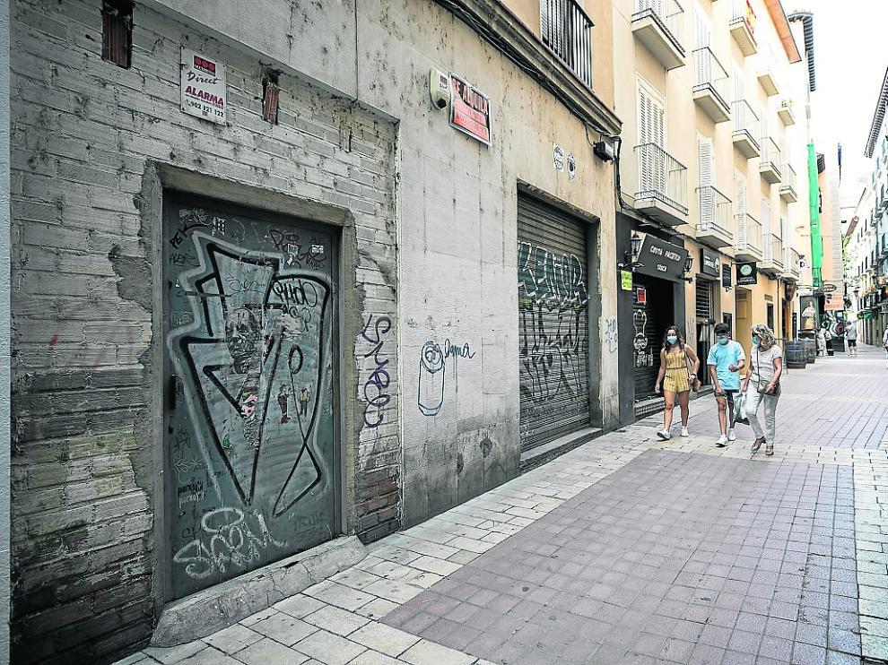 Los locales vacíos se han multiplicado en los últimos años en la capital aragonesa.