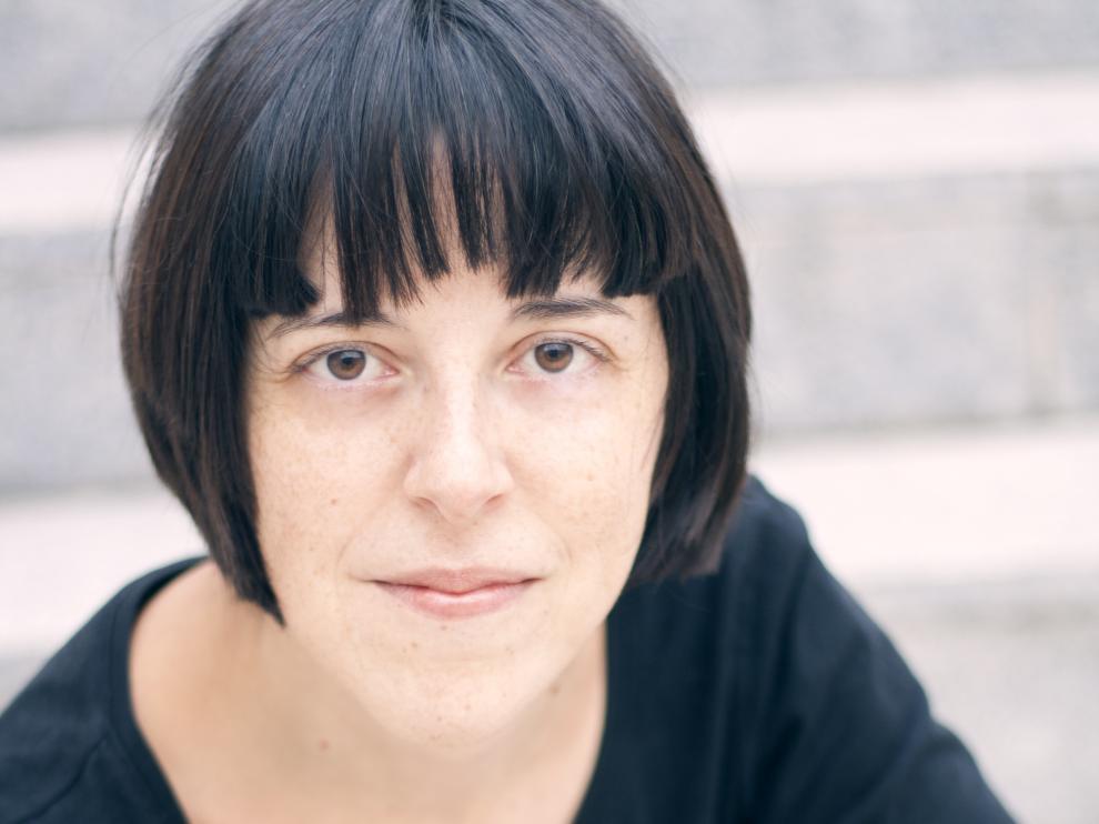 Pilar Adón publica el libro de poesía 'Da dolor'.