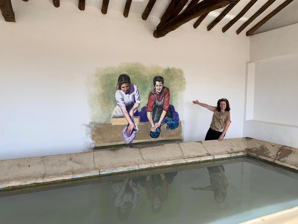 Mainar recuerda el trabajo de las mujeres rurales con un mural