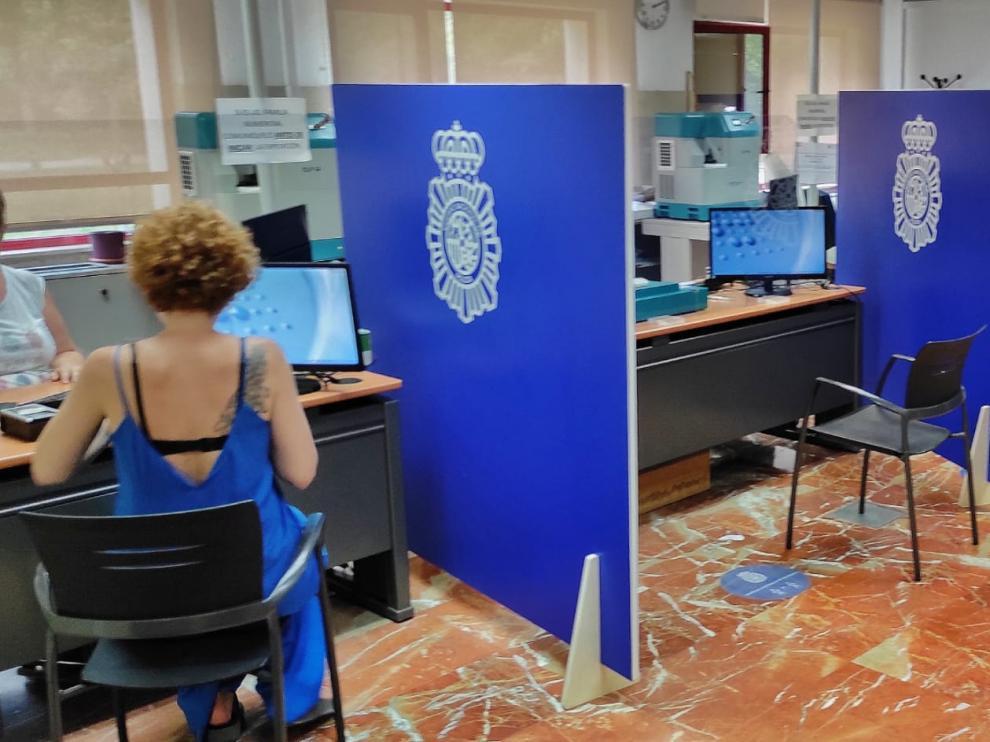 Las oficinas del DNI amplían horarios en Zaragoza.