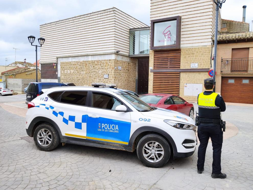 Imagen de archivo de una patrulla de la Policía Local de Ejea.