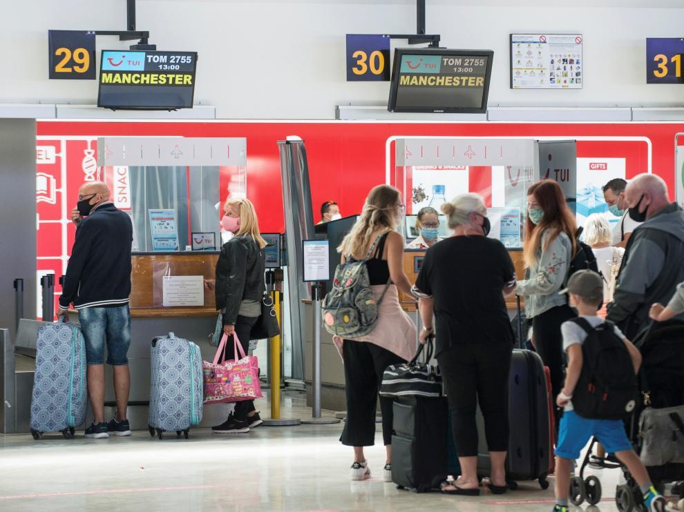 Éxodo de turistas británicos por la cuarentena