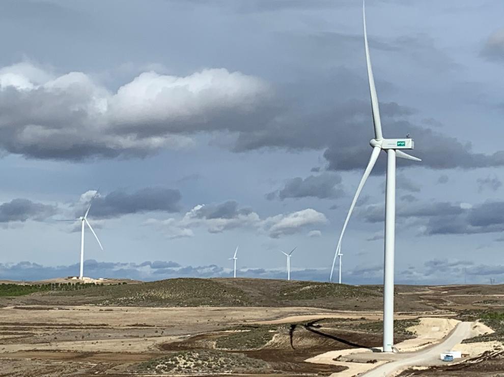 Campoliva I, una de las plantas eólicas que Endesa ha instalado en la provincia de Zaragoza. fotos: endesa