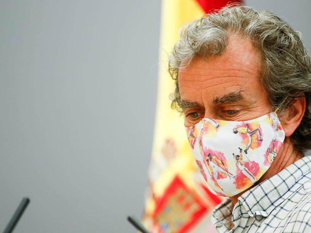 Fernando Simón, con mascarilla, tras su rueda de prensa este jueves