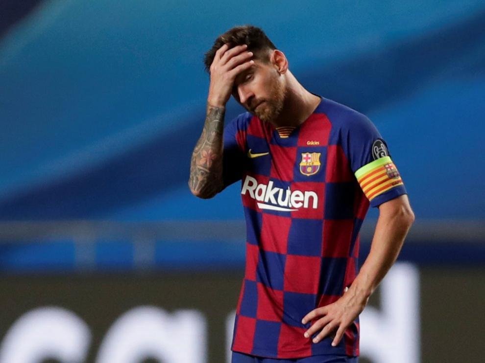 Messi se lamenta tras uno de los goles del Bayern