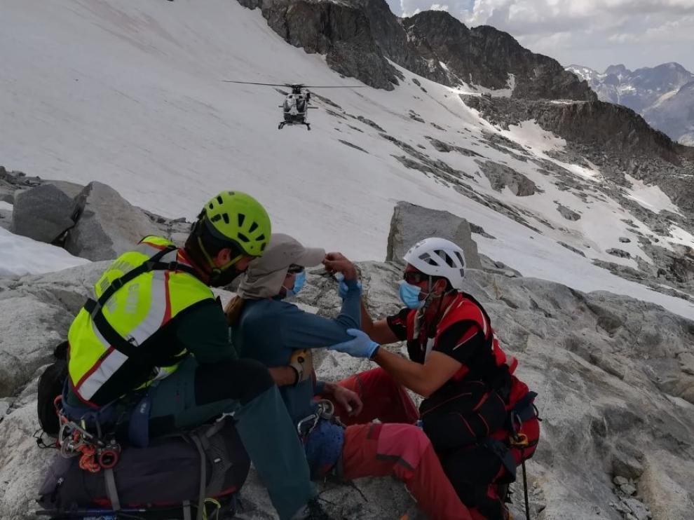 Rescate de un montañero lesionado este verano cerca del Aneto.
