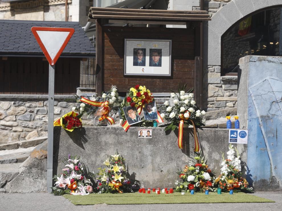 Homenaje a los guardias civiles asesinados por ETA en Sallent de Gállego