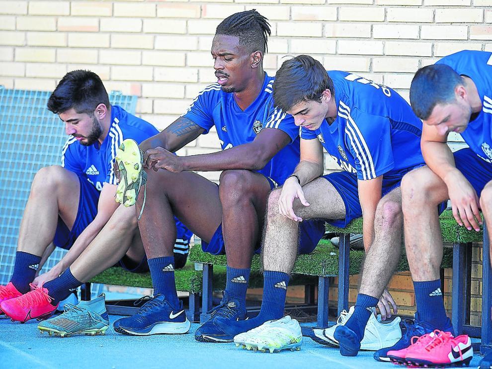 De izquierda a derecha, Papunashvilli, Bikoro, Francho Serrano y Pep Chavarría, este martes, en la Ciudad Deportiva.