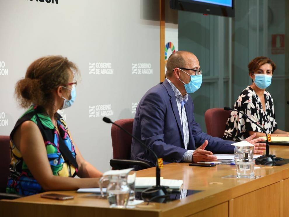El consejero Felipe Faci presenta en rueda de prensa los protocolos y las medidas que se ponen en marcha con el inicio del curso escolar