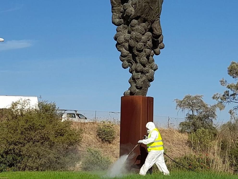 Fumigación ante el virus del Nilo en Trebujena, en Cádiz.