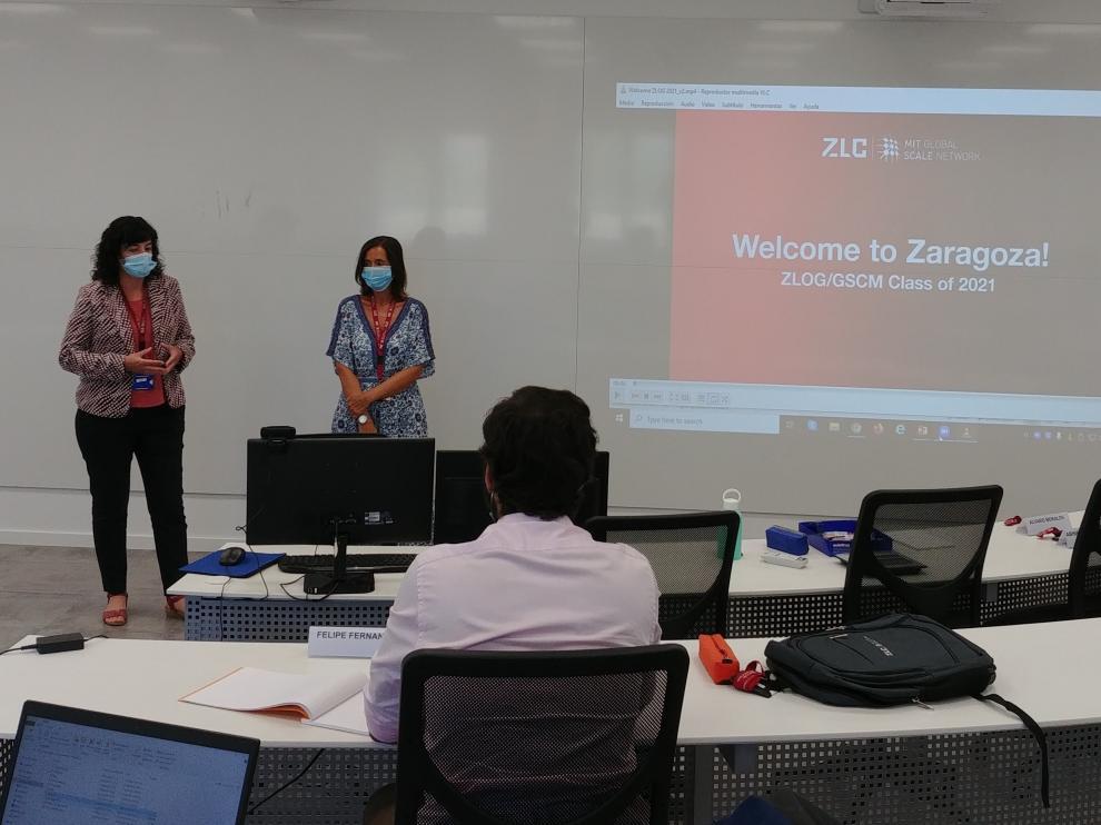 Susana Val, directora del ZLC, da la bienvenida a los estudiantes del curso 2020-21.