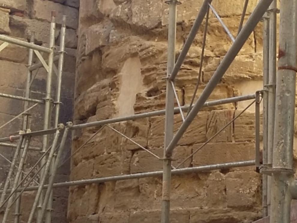 Los trabajos de restauración de los ábsides de San Pedro el Viejo han comenzado esta semana.