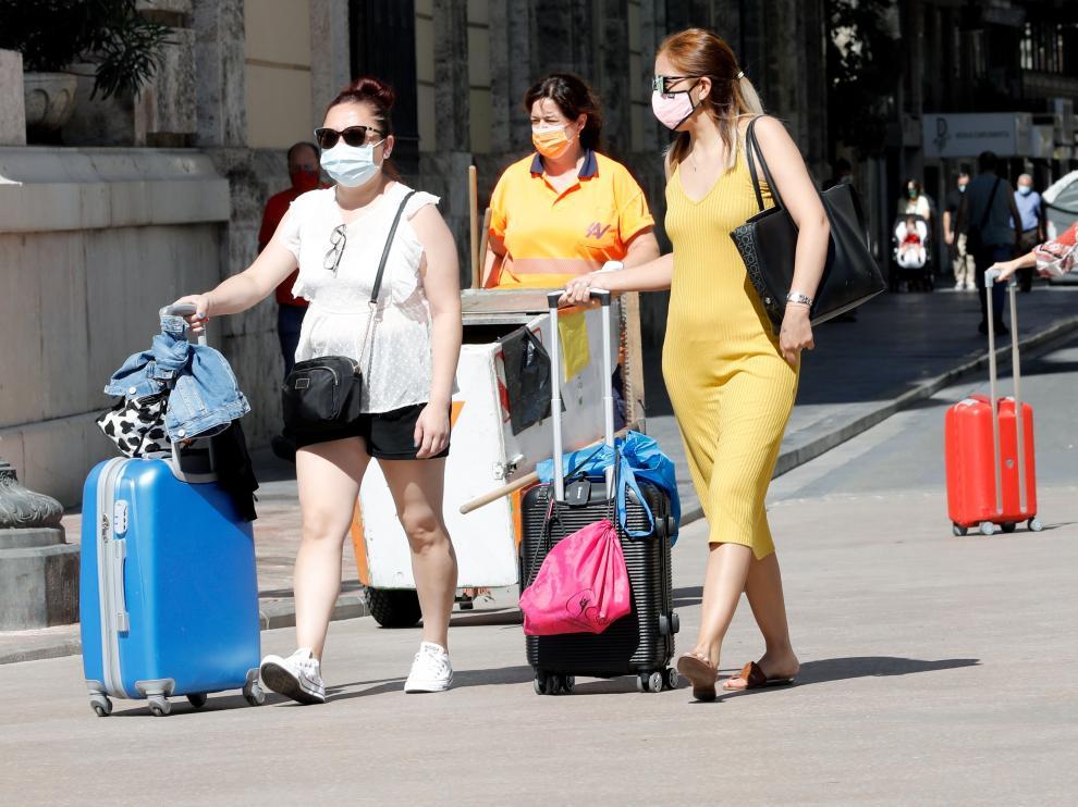 Miles de españoles vuelven estos días de vacaciones.