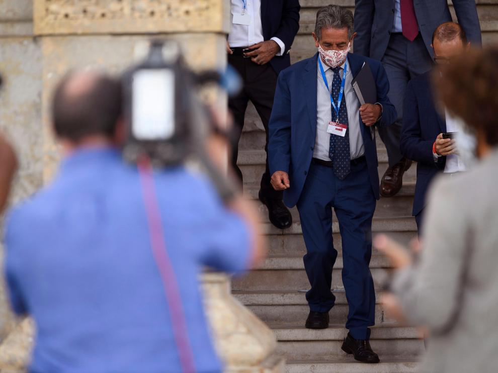 Revilla espera que los rastreadores militares lleguen esta semana a Cantabria