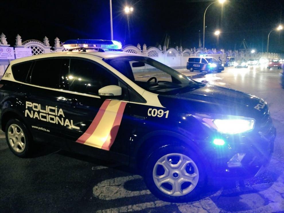 Imagen de un vehículo de guardia de la Policía Nacional.