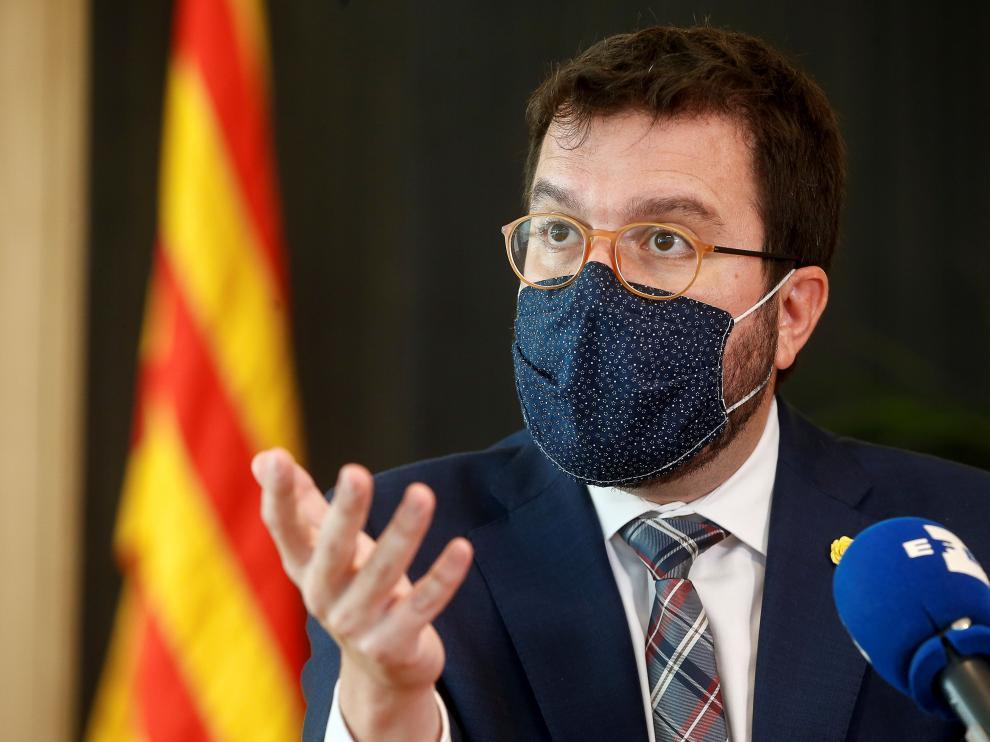 """Aragonès pide a Torra """"consensuar la respuesta"""" a su posible inhabilitación"""