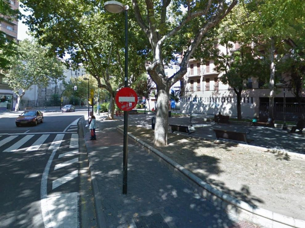 Confluencia de la plaza de Tenerías y de la calle de Alonso V, en Zaragoza.
