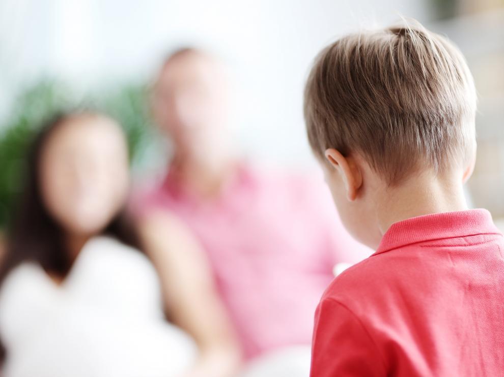 Los piojos se ponen sobre todo en la nuca y en el pelo que tienen los niños tras las orejas.