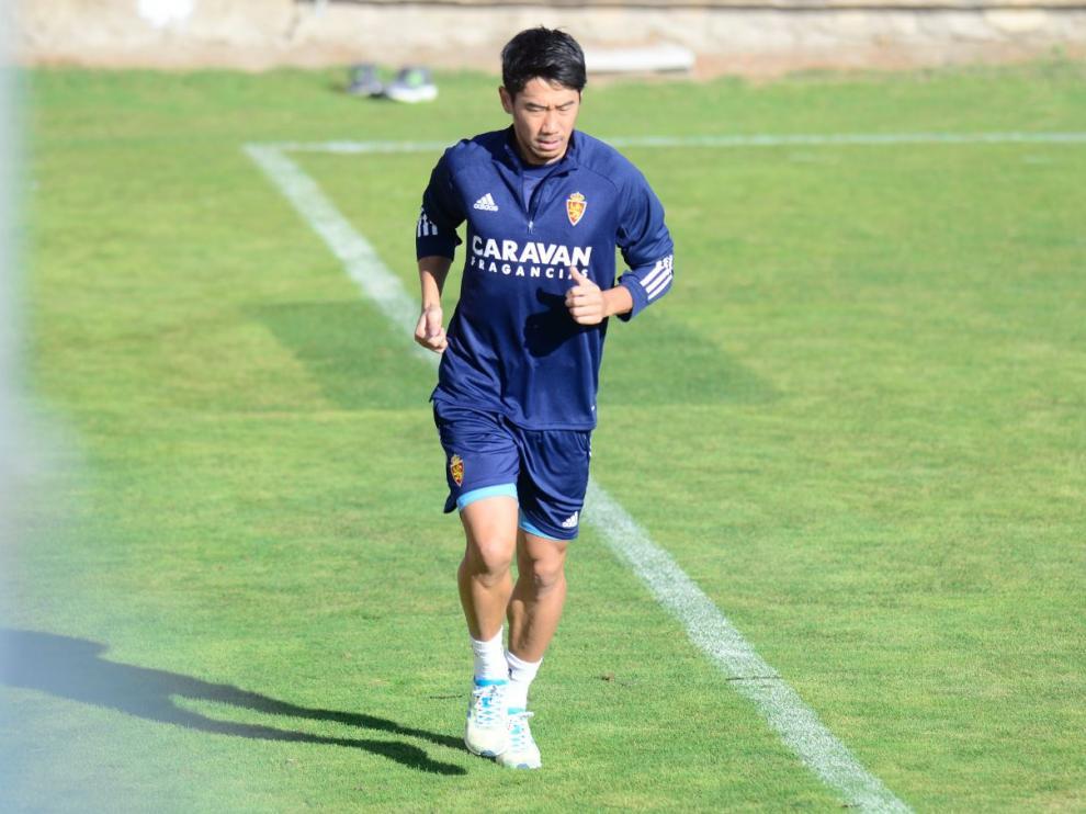 Kagawa, trabajando en solitario en uno entrenamiento reciente con el Real Zaragoza.