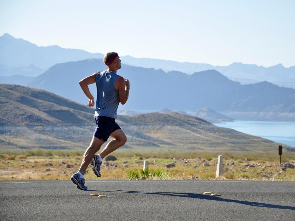 El trabajo aborda el concepto de la 'hormesis', un término que hace referencia a la respuesta dual del organismo al ejercicio físico.