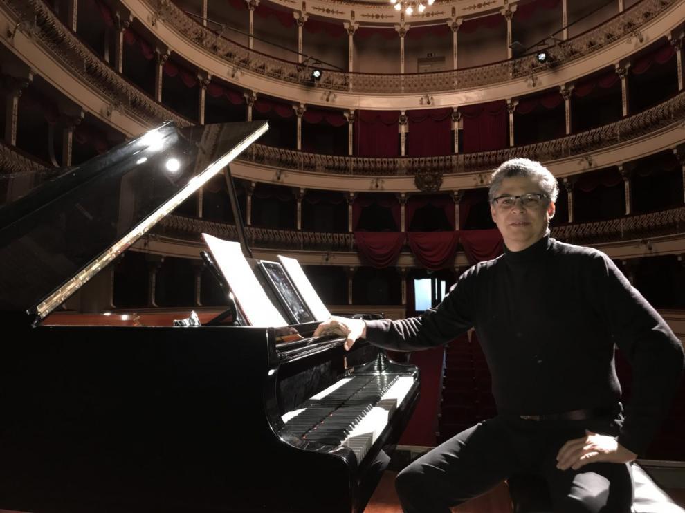 El pianista Leonel Morales