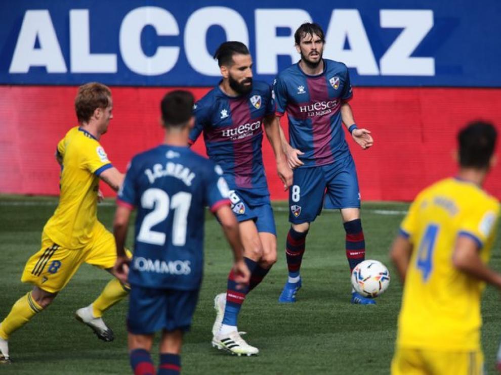 Siovas debutó con la SD Huesca ante el Cádiz