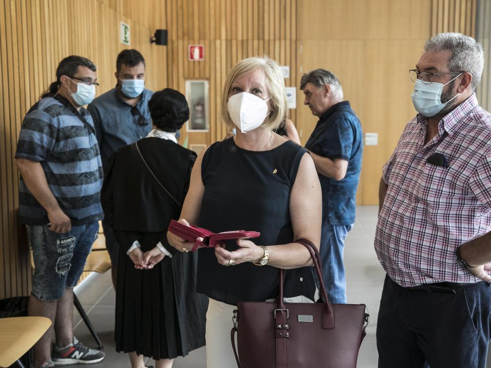La exalcaldesa de Aranda de Moncayo, en los pasillos de la Audiencia de Zaragoza, el pasado 22 de julio.
