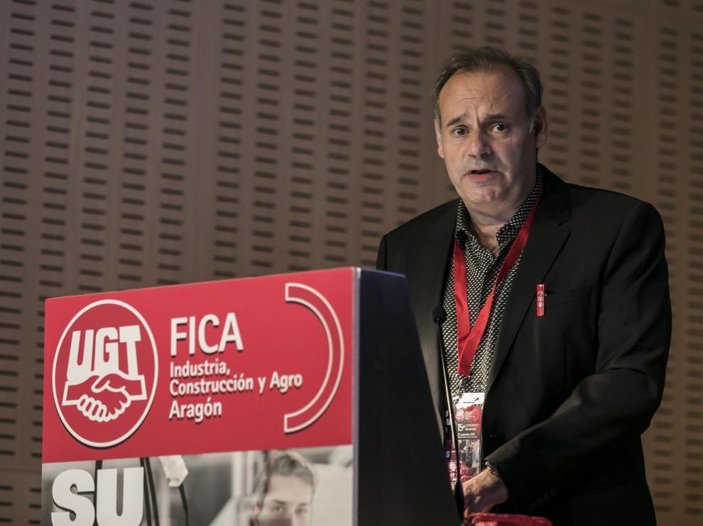 Arceiz, durante su discurso tras ser reelegido secretario general de FICA UGT-Aragón.