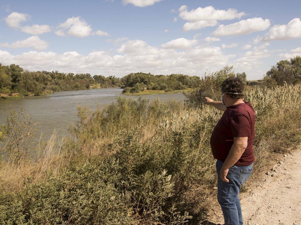 Cauce del río Ebro a su paso por El Burgo.