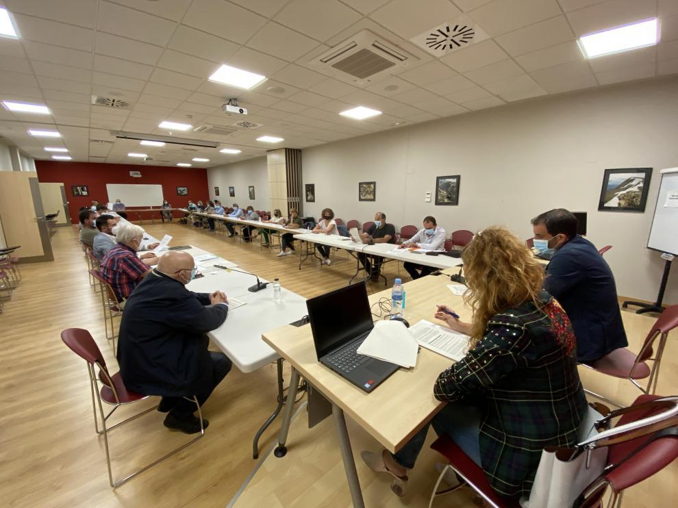 El consejo comarcal aprobó anoche además las subvenciones a ayuntamientos por la COVID-19