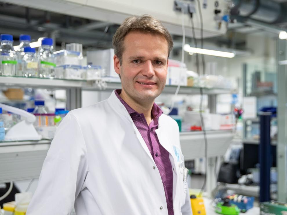 Harald Pruess, líder del grupo de investigación del Centro Alemán de Enfermedades Neurodegenerativas