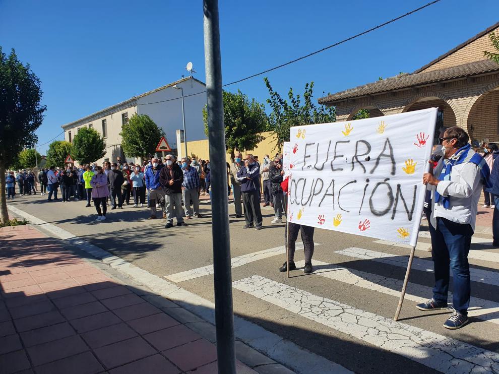 Manifestación contra la okupación en Nuez de Ebro