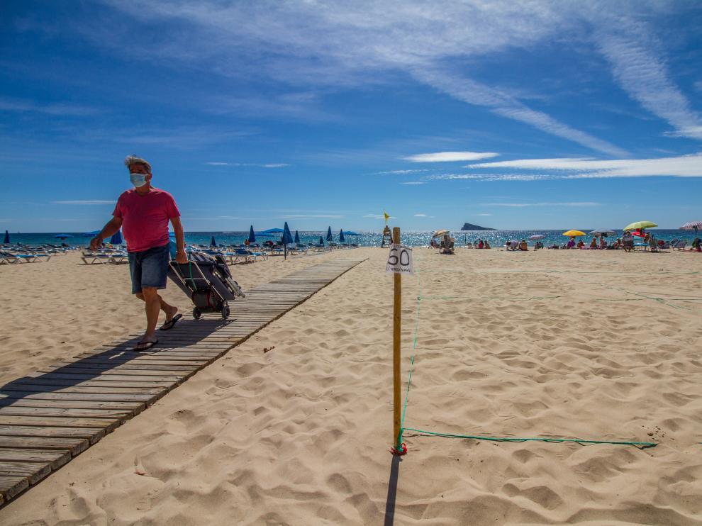 Playa de Benidorm en el día Mundial del Turismo.