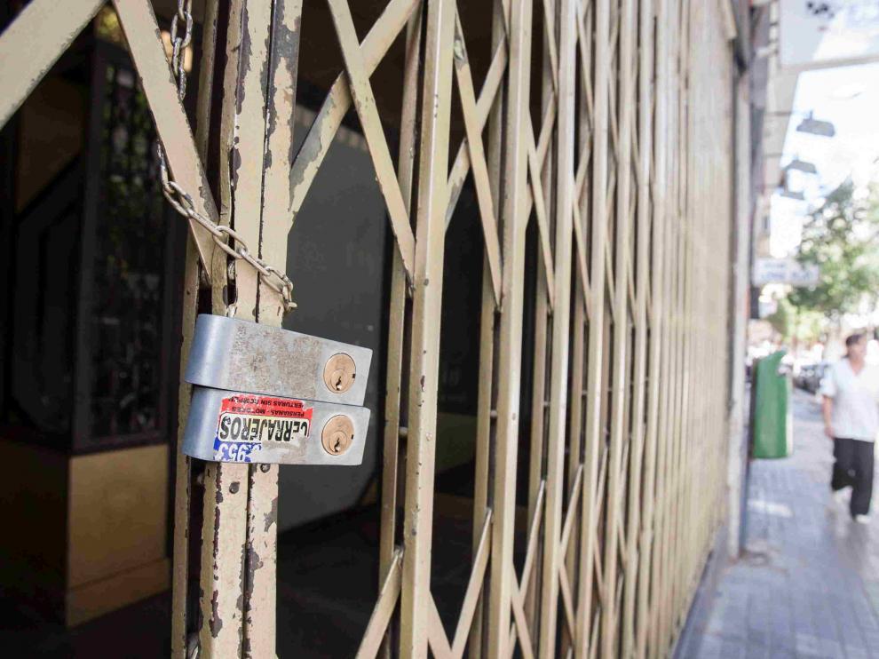 Locales cerrados por la crisis en Zaragoza