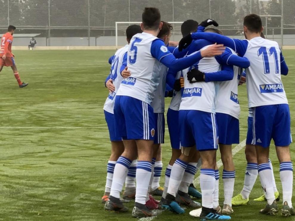 Los jugadores del RZD Aragón celebran un gol en un partido reciente.