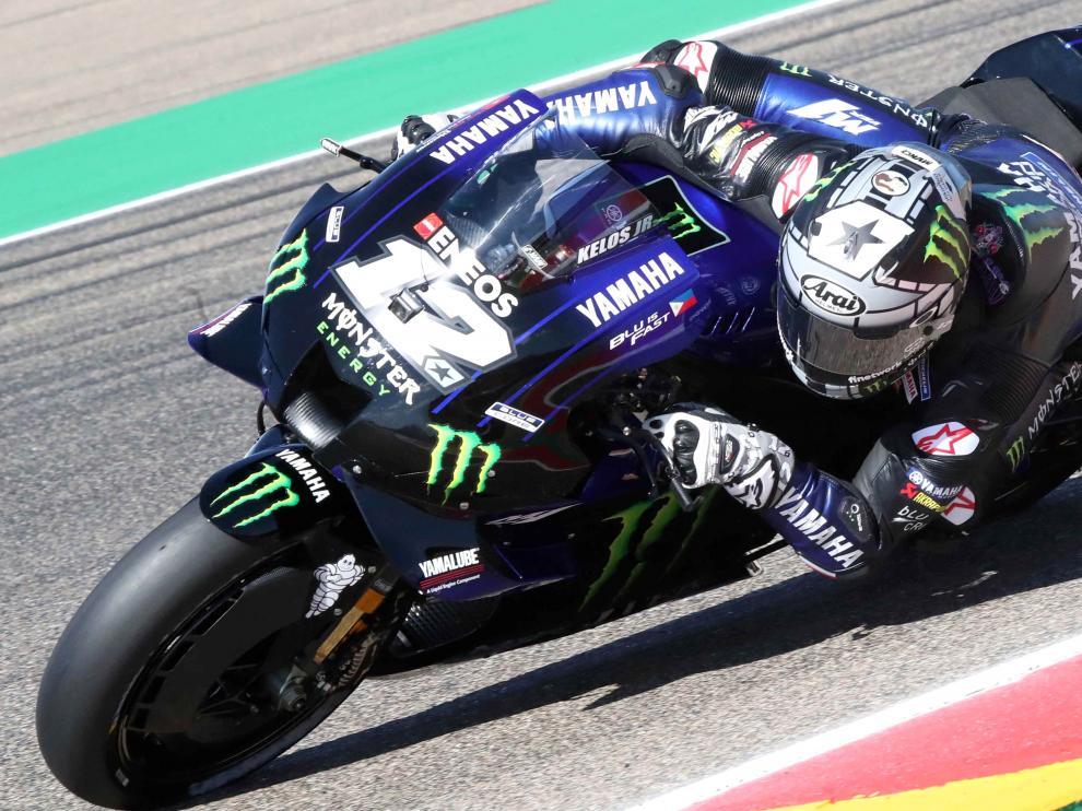 El piloto catalán Maverick Viñales (Monster Energy Yamaha)  durante una de las sesiones de entrenamiento del Gran Premio de Aragón de Moto GP celebrada este viernes en el circuito de Motorland