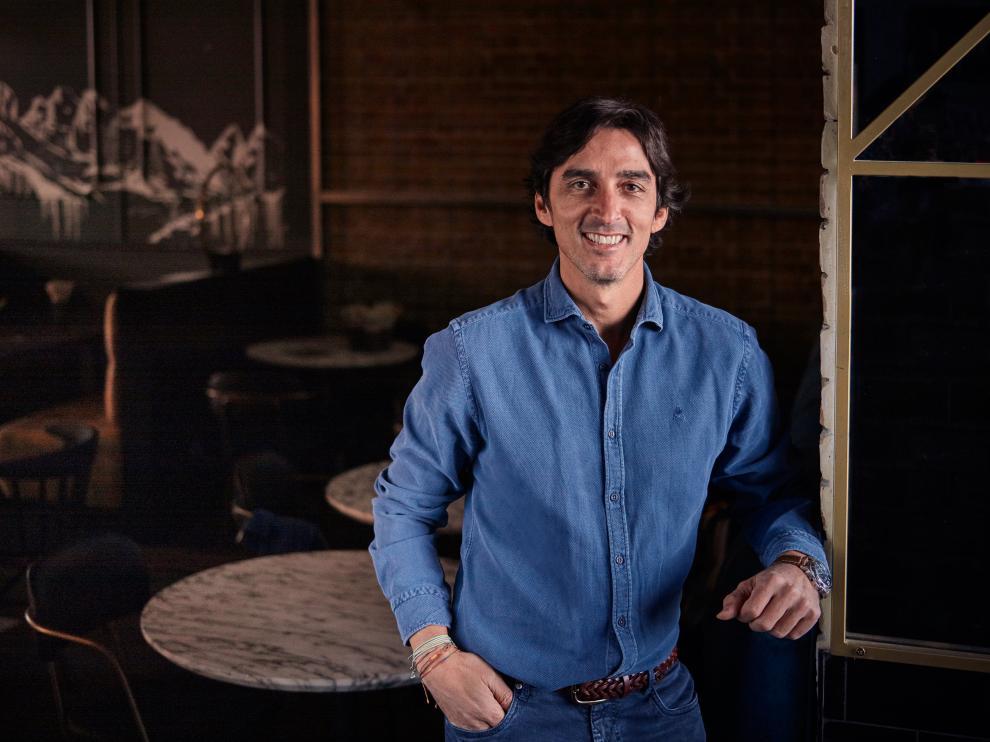El zaragozano Javier Floristán, fundador de la marca, en uno de sus restaurantes.