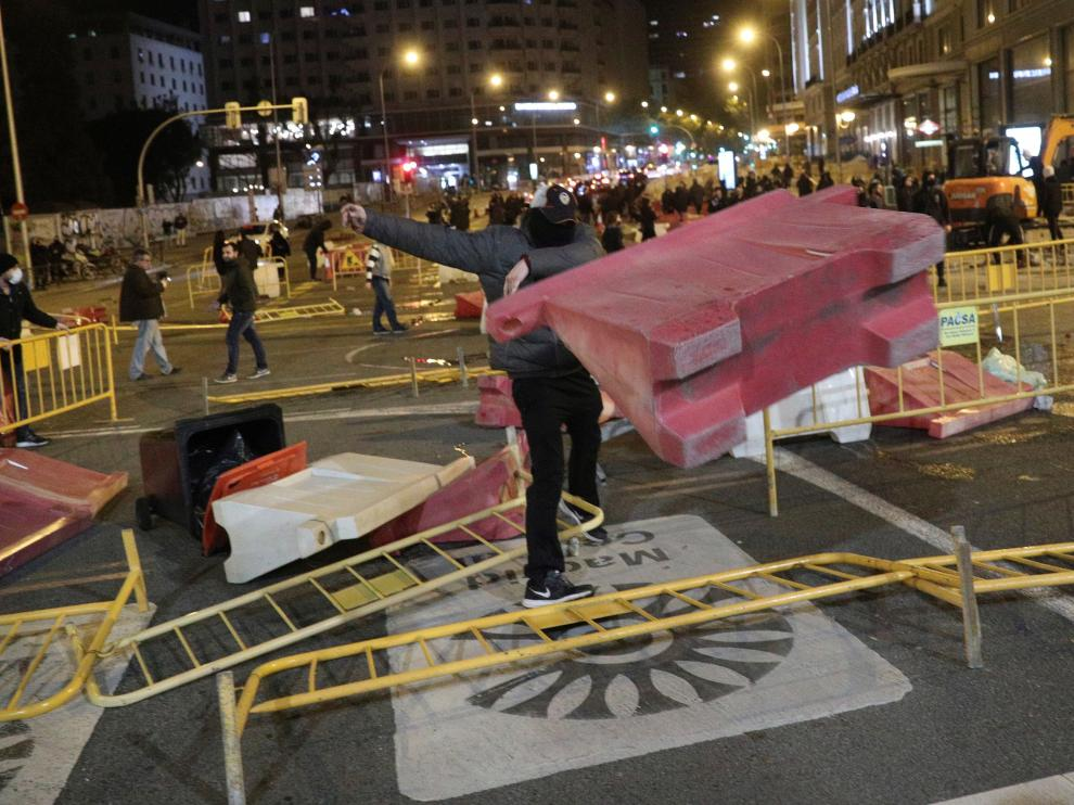 Disturbios en Madrid en una protesta por las medidas restrictivas por el coronavirus.