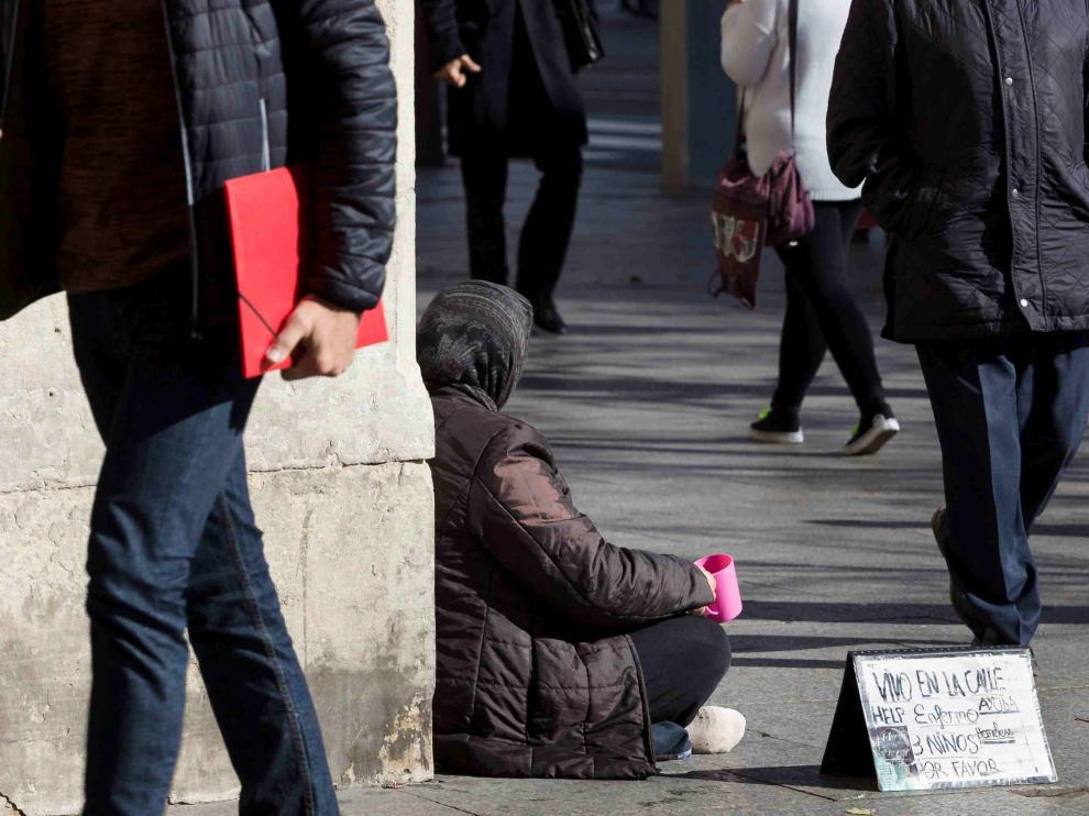 Pobreza en las calles de Zaragoza.