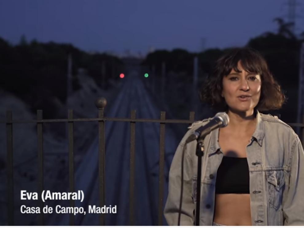 Eva Amaral, en un frame del videoclip